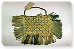 Lander, Maureen. (2001?). Muka kete. Record 599857. Māori Feather and Fibre Taonga in Museums Collection, The University of Auckland Library. [Image].  Source: National Museum of Scotland, Edinburgh. http://digitool.auckland.ac.nz/R/-?func=dbin-jump-full&object_id=599857&silo_library=GEN01